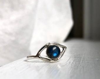 Labradorite Eye Ring in Sterling Silver Handmade Hammered