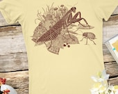 Nature Gift - Animal Shirt - Bug - Women's Tshirt - Women's Graphic Tee - Women's Gift - Praying Mantis Insect - Art Lover Gift