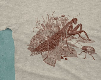 Praying Mantis Men's Tshirt - Insect Shirt - Men's Graphic Tee - Insect Art - Unique Gifts for Him - Preying Mantis