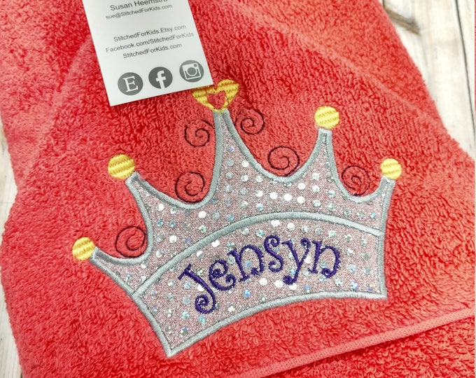 Personalized  Princess Hooded Towel with Crown Tiara, Custom Hooded Bath, Princess Towel, Gift For a Princess, Princess Towel with a Hood