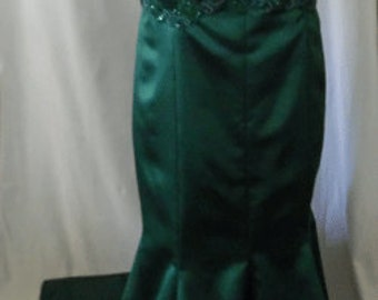 Beautiful Emerald Green Curvy gown with train