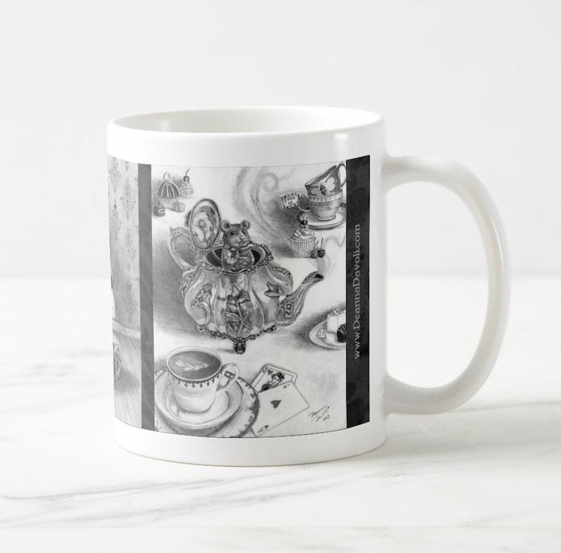 Me Tasse Alice Des Merveilles Au Blanche Café Pays Loir De Mug Reine Une Drink Ov0mNnw8