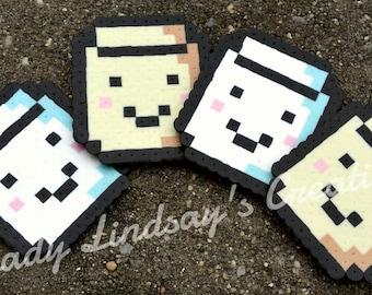 Marshmallow Toasted & Untoasted Pixel Perler/hama bead Sprite keychains