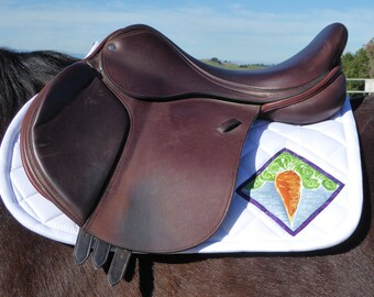Pony Saddle Pad for English Saddles in White with Batik Medallions from The Carrot Collection CP-79