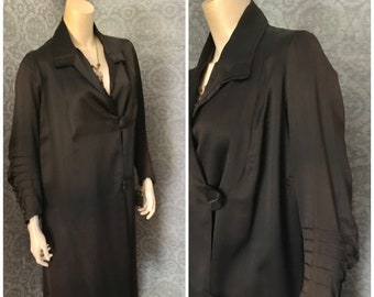 1920s Black Silk Coat, Great Styling and Details, Inner Pocket, Gorgeous Lining, Structurally Excellent, Small - Medium