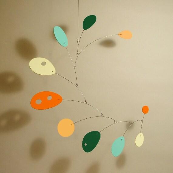 Art mobile colorful mobius best baby mobile design retro - Design babymobel ...