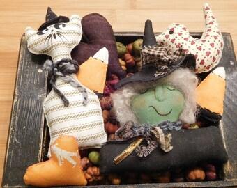 Primitive Halloween Decorations  /  Bowl Fillers  /  Wreath Embellishments  /  Fall Ornaments