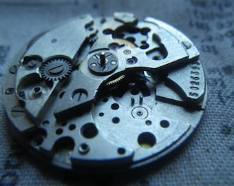 Watch Parts Lot 9 Round Watch Movement with Date Dial As Shown 1 Pcs