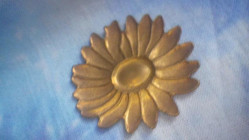 Wide Sunflower Brass Stampings 33x30m 2 Pcs
