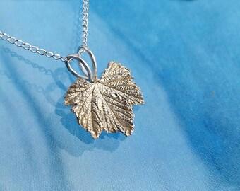 Mini Silver Regal Geranium Necklace