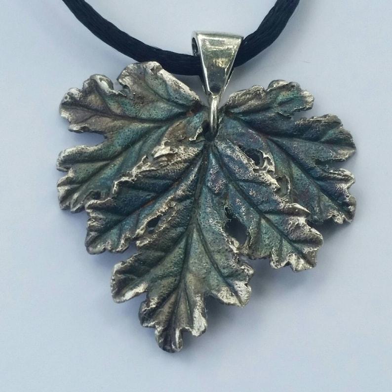 Silver Geranium Necklace image 1