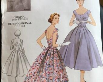 Vogue Vintage Model Pattern, V2960, Original 1954 Design, Misses' Dress, 1950's Dress, T Length Dress, Size 4-10, Vogue Patterns