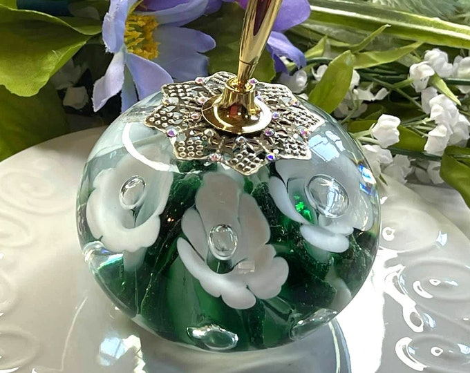 Green & White Trumpet Flower VINTAGE St Clair Artisan Glass Pen Holder