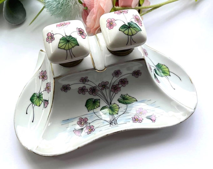 Lovely VINTAGE White Porcelain WATERLILY Double Inkwell - Hand Painted