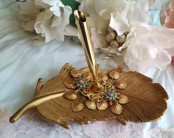 Gorgeous GOLDEN FEATHER Edwardian Water Lily Quill Pen Holder