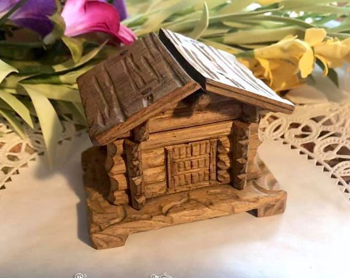 Old Antique Black Forest Hand Carved WOODEN LOG CABIN Inkwell - Germany Austrian Folk Art. Alps Souvenir.