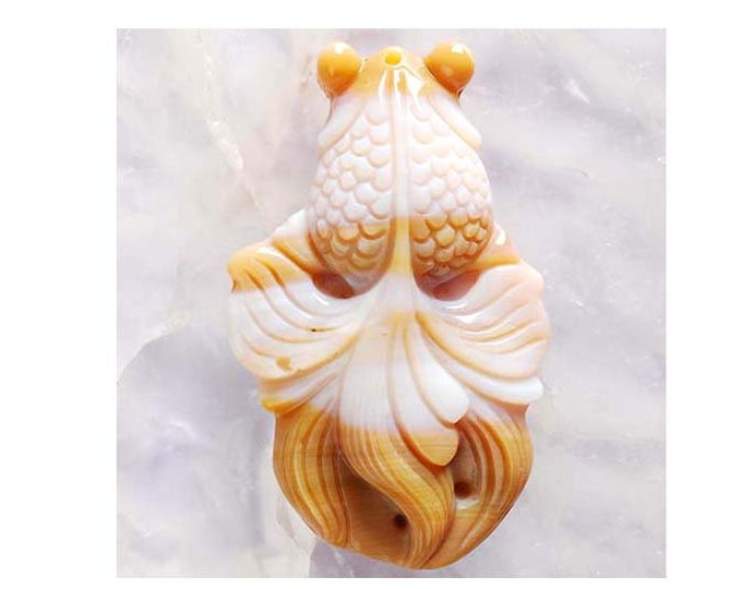 Beautiful INDIAN AGATE Carved Fantail Goldfish Pendant Bead - 49x29x10mm - Good Luck