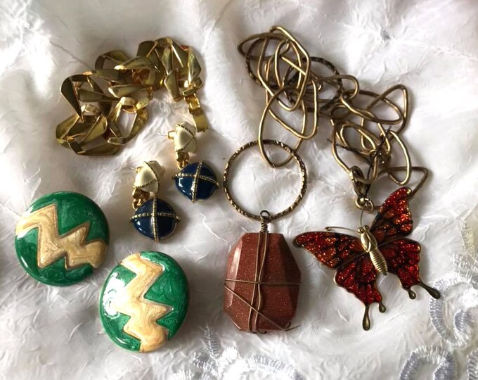 Unique VINTAGE Jewelry Chains & Findings - Mixed Lot