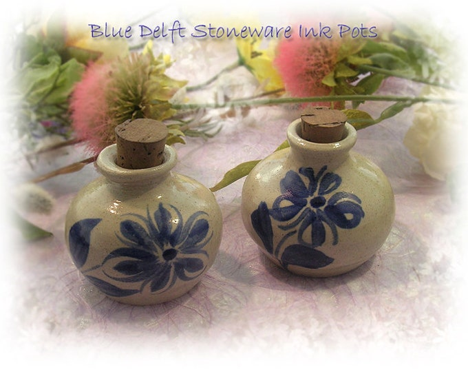 DELFT BLUE Stoneware Ink Pot - Floral