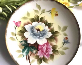 Lovely Folk Art Roses Vintage Collectors Plate