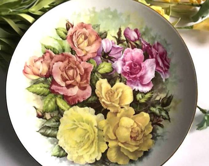 Lovely Rose Bouquet Vintage Collectors Plate