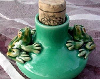 SALE Vintage FROG POT Bordalo Majolica Ink Pot ... Light Green Ink Well