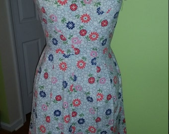 Adorably Flirty 1950's Crisp Cotton Day Dress