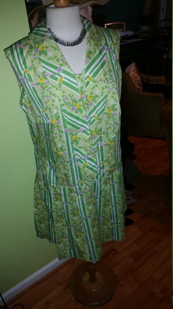 Absolutely Fun and Flirty Marigold 1960's Colorful