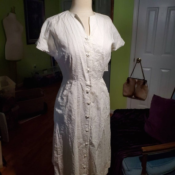 Late 1940's to Early 1950's White Textured Cotton