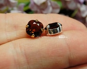 Swarovski Burgundy, 2 pcs, 8mm Cushion Cut art 4470 With Prong Setting, Vintage Swarovski, Bead Embroidery Component