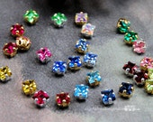 4 Pcs Vintage Swarovski Crystal 4mm Square Rhinestone Sew On 19 Colors With Prong Settings Crystal Sew On  , Bead Embroidery