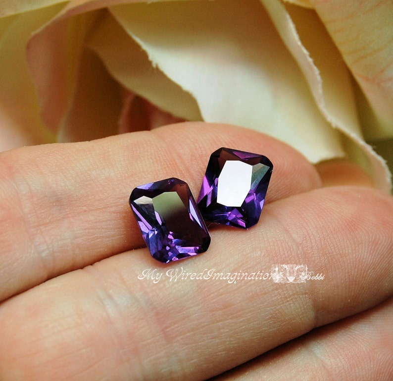 Alexandrite 10x8mm Lab Grown Lab Created Color Change Faceted image 0