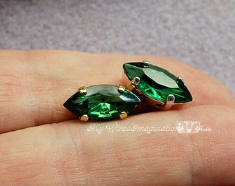 Tourmaline Green, Vintage Swarovski Crystal, 15x7mm Navette art 4200 With Prong Setting, Bead Embroidery Component