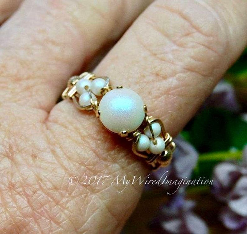 Swarovski Crystal Pearl Ring Pearlescent White Pearl image 0