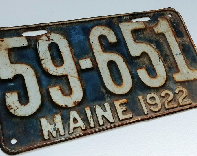 Vintage 1922 maine state automotive license plate