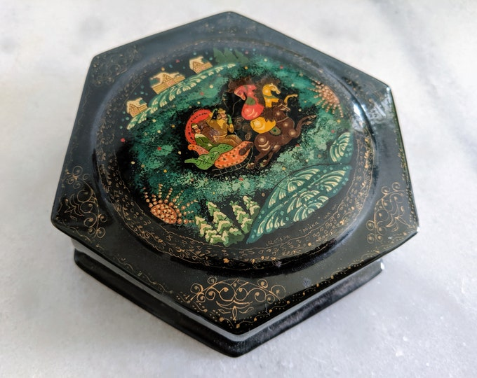 Russian Lacquer Box Troika in Winter from Palekh