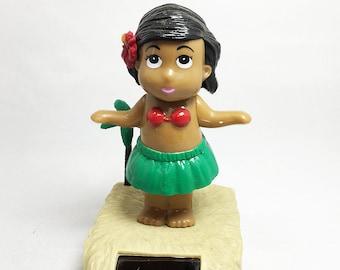 Solar Dancing Hula Girl