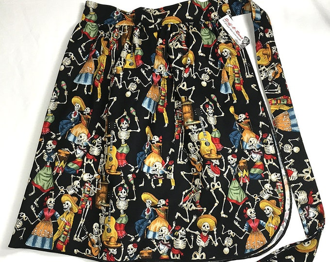 Half Apron - Vintage Pin Up Skirt Style - Calaveras