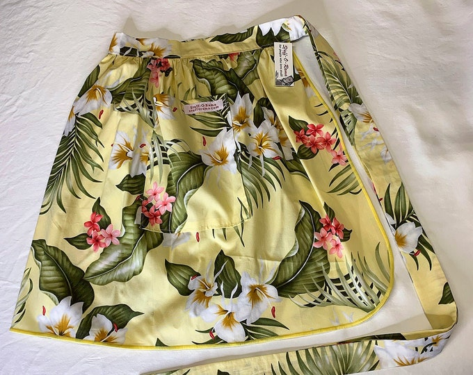 Half Apron - Vintage Pin Up Skirt Style - Yellow White Hibiscus Tropical Flowers