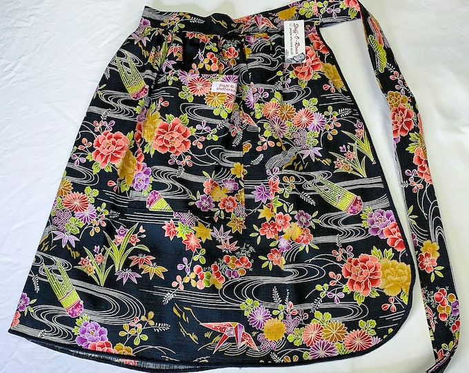 Japanese Kimono Fabric - Half Apron - Vintage Pin Up Skirt Style