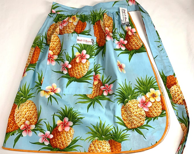 Half Apron - Vintage Pin Up Skirt Style - Pineapples