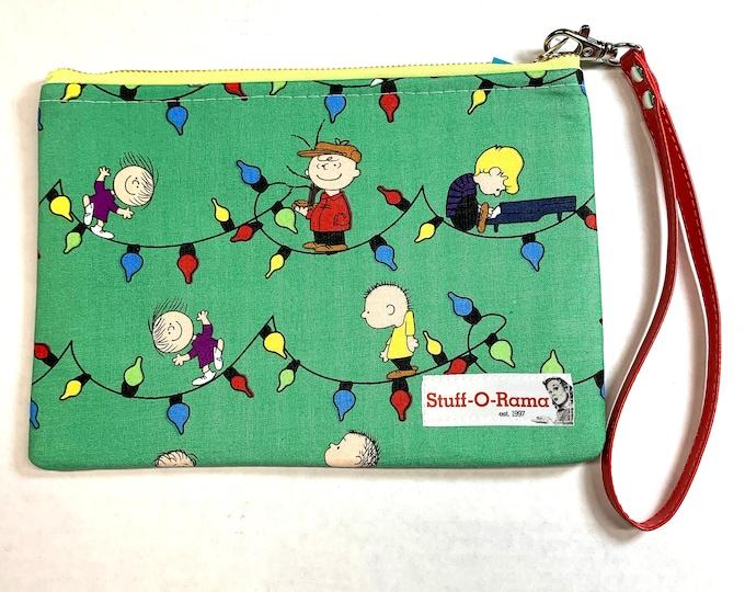 Wristlet Zipper Pouch Clutch Purse - A Charlie Brown Christmas - Peanuts
