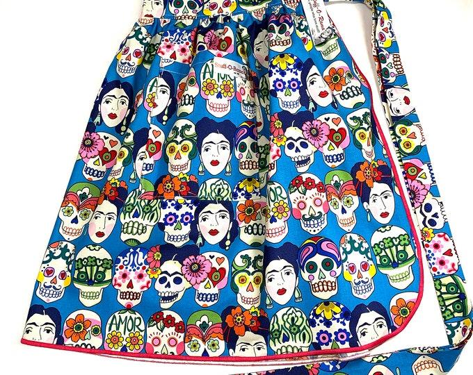 Half Apron - Vintage Pin Up Skirt Style - Mexico Folklorico Gotas de Amor