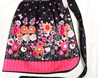 Half Apron - Vintage Pin Up Skirt Style - Mod Flowers Black & Pink