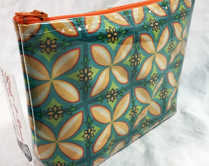 Make Up Bag - Kupuna Aloha by madtropic