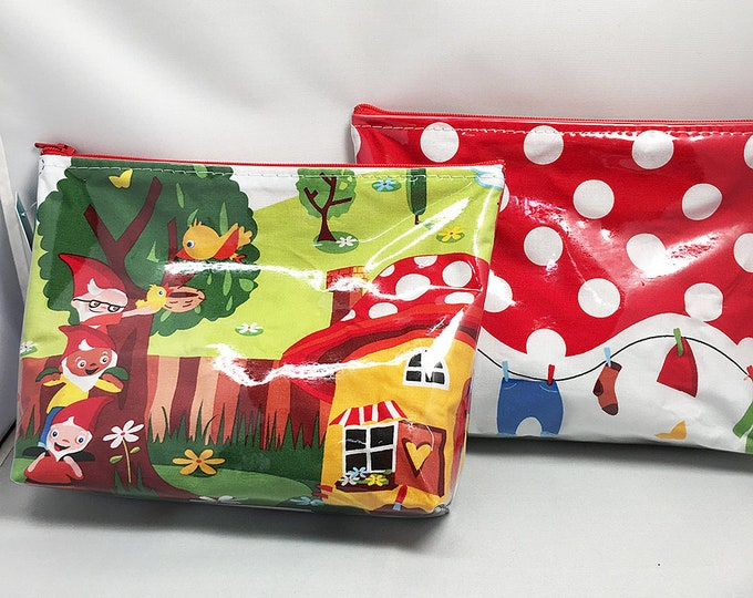 Make Up Bag - Garden Gnomes Zipper Pouch