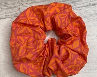 Aloha Flowers - Pink Orange  - Elastic Hair Tie - Fabric - Wide Width - Oversize - Scrunchie style - MCM - Retro - Vintage - Tiki