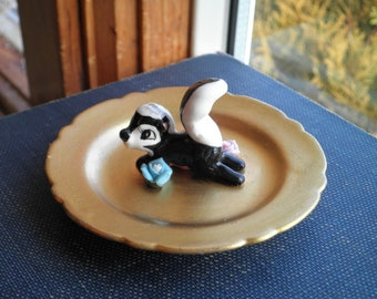 Vintage Skunk Ring Dish / Jewelry Storage Plate - Woodland Critter Golden Trinket Dish - Baby Skunk Forest Animal Home Decor Eco Gift