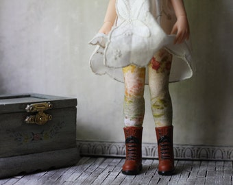 April Doll Socks for Blythe, Pullip, Monster High, Azone Pure Neemo, Barbie, Rainbow High