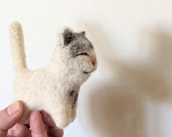 gray Waldorf wool cotton animal Cat organic kitten cream child toy white grey gift